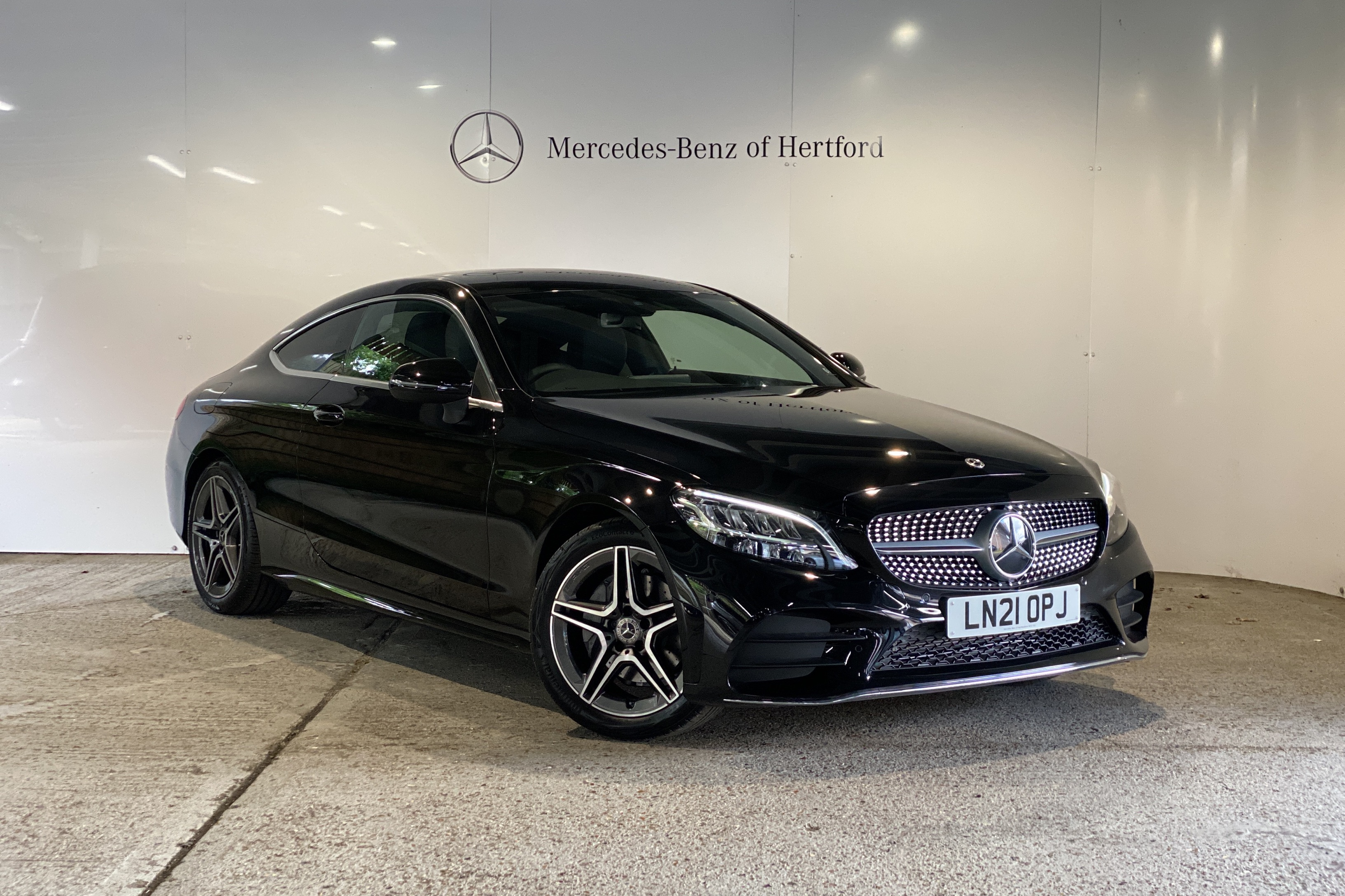 C 200 AMG Line: Delivery Mileage Only